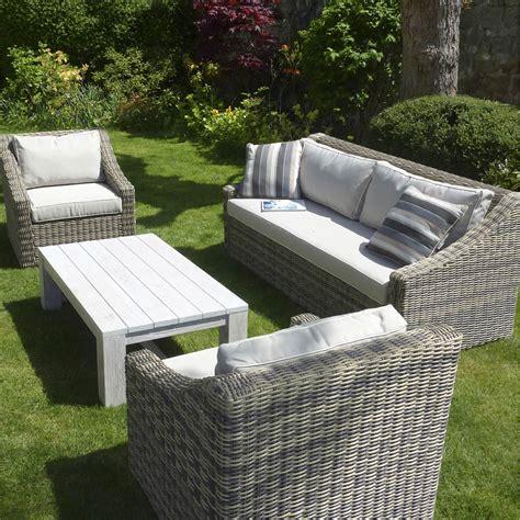 salon de jardin chez bricomarche salon de jardin vintage r 233 sine plastique 1 canap 233 3 places 2 fauteuils leroy merlin