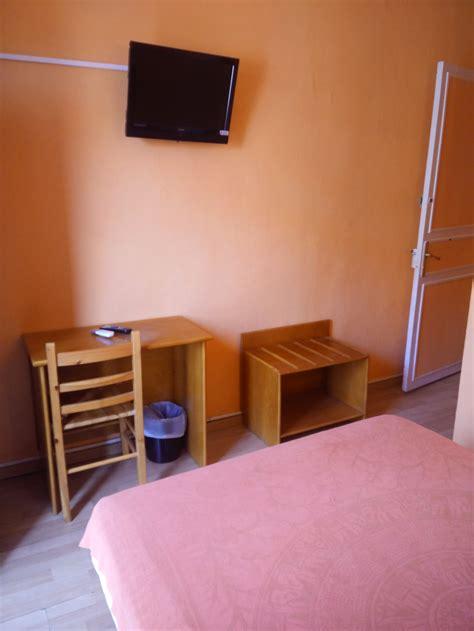 chambre d hote a perpignan chambres d 39 hôtel à perpignan hôtel du berry