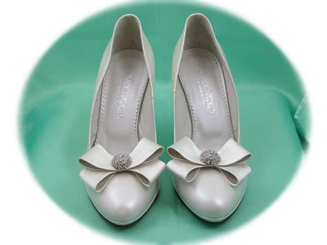 Dolce e romantico con queste scarpe trascorrerai la tua giornata speciale in tutta comodità pur essendo glamour e unico. scarpa da sposa in nappa perlato avorio - Decolletè con ...