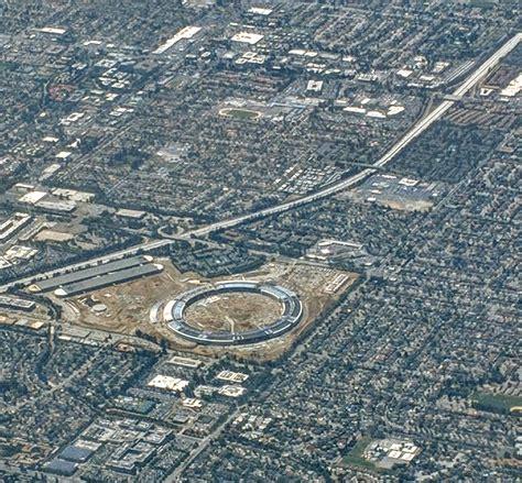 Apple Neubau by Apple Park