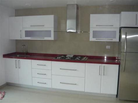 foto cocina alto brillo blanca de cocinas  closets del