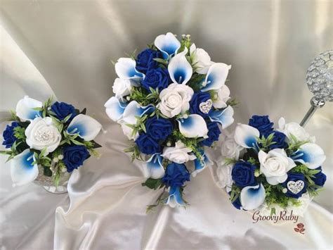 white blue centred calla lilies  roses heart