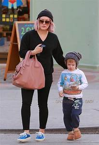 Hilary Duff & son Luca stop by Starbucks - Growing Your Baby