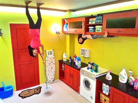 wisata foto terbalik upside  world jogja hotel