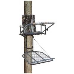 big dog mastiff xl hang on tree stand 221550 hang on tree stands at sportsman s guide