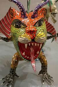 Sculpture En Papier Maché : fanciful papier mache sculpture in the museum of popular art mexico city the museo de arte ~ Melissatoandfro.com Idées de Décoration