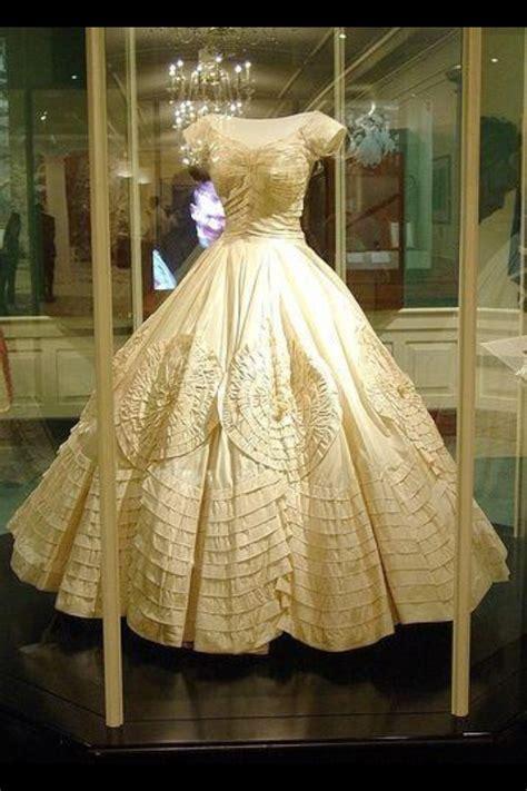 finding  vintage tea length wedding dress whirling turban