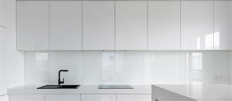 white gloss acrylic kitchen cabinets advantages of high gloss kitchen cabinets