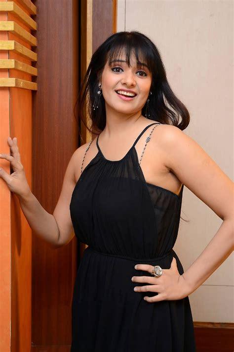 Beauty Galore HD : Saloni Aswani Armpit Showing ...