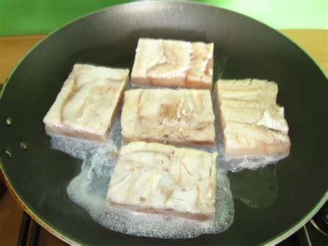 comment cuisiner le merlu recette poisson blanc poele