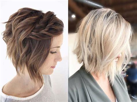 Modne krótkie fryzury damskie dość często ulegają zmianie, jednak niektóre strzyżenia są wskaże, jakie cięcie włosów pasuje do twojego wieku i sylwetk. Najmodniejsze krótkie fryzury wiosna 2017! - Kobieta.pl