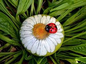 Flower, Stone, Garden, Rock, Daisy, Flower, Art, Decorative