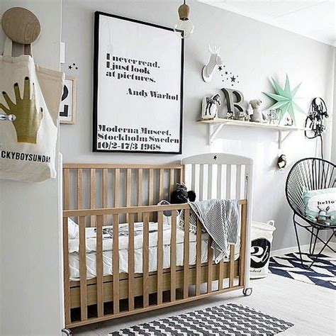 deco design chambre bebe une chambre bébé blanche design et classique à la fois