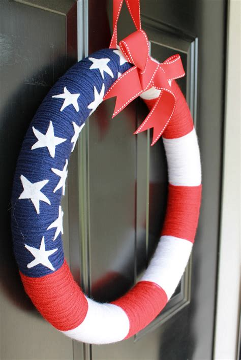 patriotic yarn wreath diy independence day craft