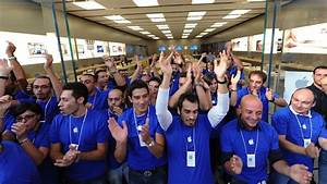What It's Like To Work The Apple Store Front Lines On ...
