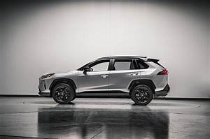 Toyota Rav4 Hybrid : 2019 toyota rav4 first look new look for the suv sales king motor trend canada ~ Medecine-chirurgie-esthetiques.com Avis de Voitures