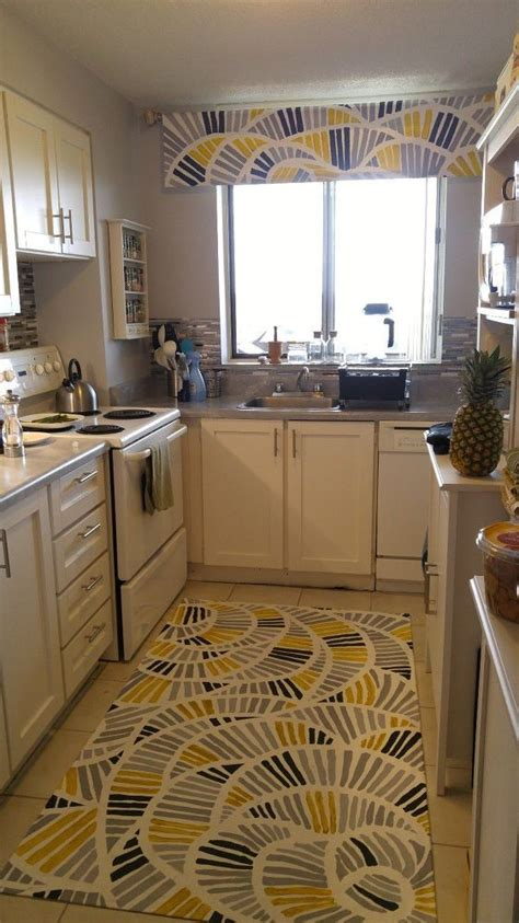 how to replace a kitchen backsplash 1000 ideas about kitchen tops on wooden side 8878
