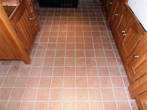 quarry tile floor cleaning and removing grout haze from a quarry tiled floor