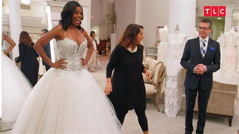 omarosa  choosing  racy wedding dress
