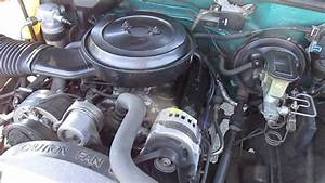 1993 Blue Chevrolet 1500 4x4 Truck Engine