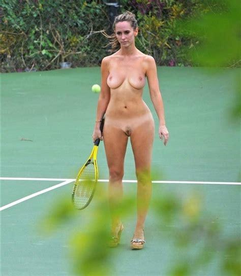 Jennifer Love Hewitt Caught Playing Naked Tennis