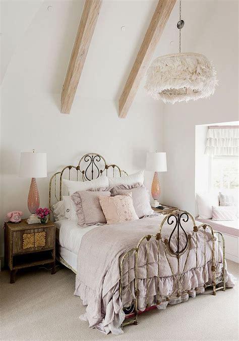 Schlafzimmer Shabby Chic by Shabby Chic Schlafzimmer In Pastellfarben Kronleucher Mit