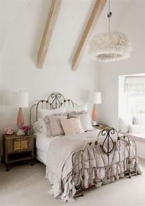 Chic Und Mit : shabby chic schlafzimmer in pastellfarben kronleucher mit federn r o o m pinterest ~ Orissabook.com Haus und Dekorationen
