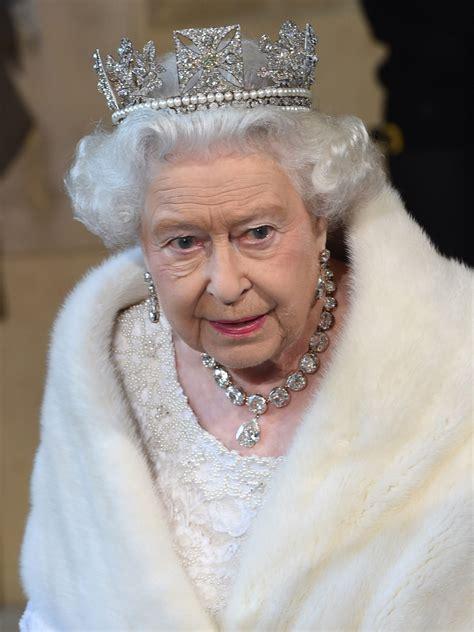 New Photographs To Celebrate Queen Elizabeth Ii's Record