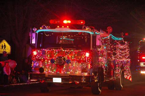 trucks decorated  christmas decoratingspecialcom