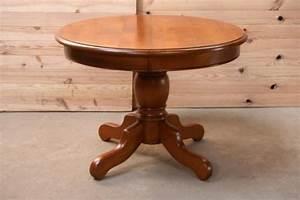 Table Ronde Bois Massif : table ronde merisier pied central table de lit a roulettes ~ Teatrodelosmanantiales.com Idées de Décoration