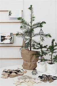 sapin de noel moderne de style minimaliste With salle de bain design avec pack décoration sapin de noel