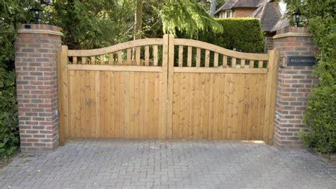 Wooden Driveway Gates Designs
