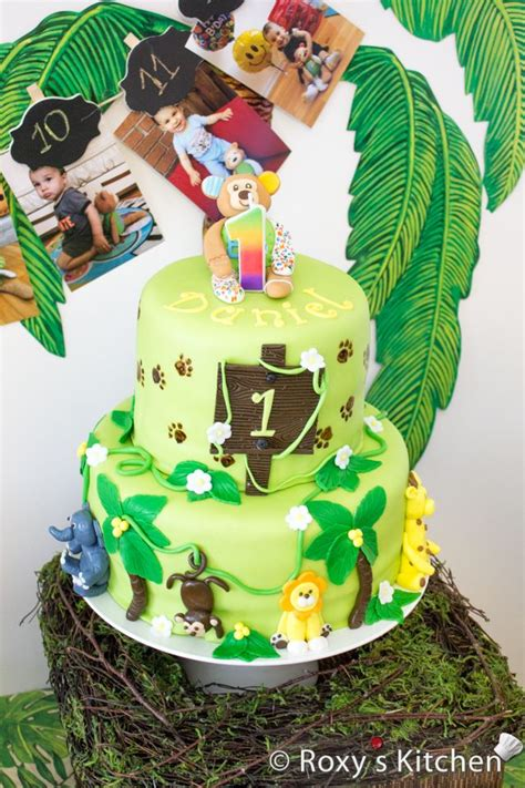 safari jungle themed  birthday party dessert