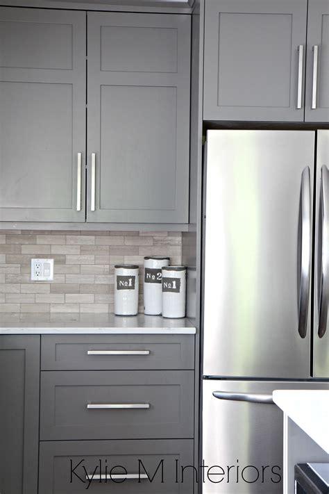 kitchen backsplash ideas for gray cabinets kitchen cabinets painted benjamin amherst gray