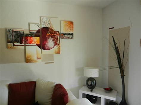 tableaux modernes pour salon comment disposer vos tableaux modernes sur le mur