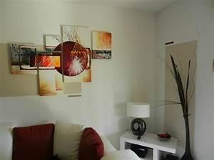 Tableau Design Salon : comment disposer vos tableaux modernes sur le mur ~ Teatrodelosmanantiales.com Idées de Décoration