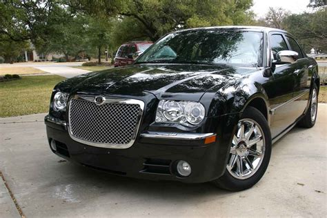 Chrysler 300 Grill by Chrysler 300 Chrome Bentley Mesh Grille
