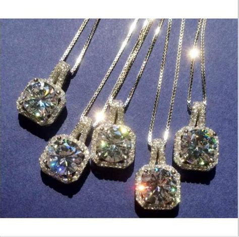 Big Simulated Diamond With Clusters Link  Women