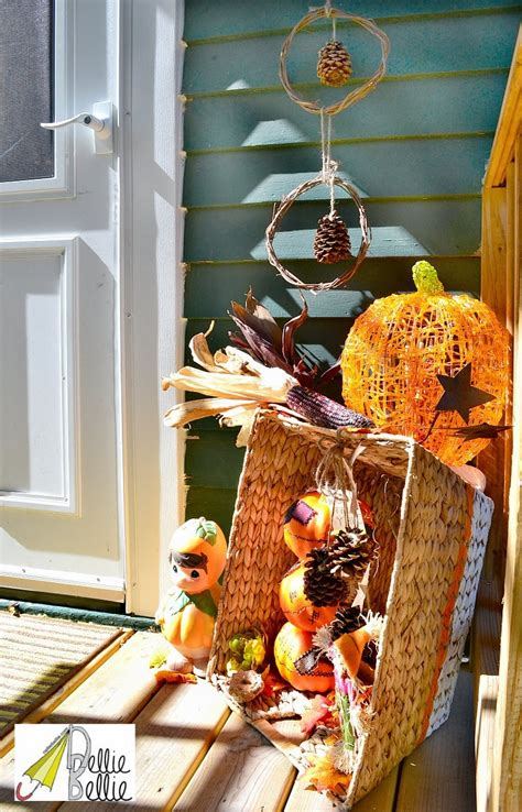25+ Outdoor Fall Decor Ideas The Cottage Market