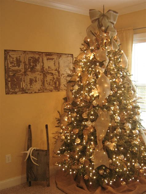 decorating tree with burlap ribbon paka s collection burlap inspired