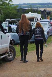MAN!!! RELATIONSHIP GOALS! | Metal girl, Emo couples ...