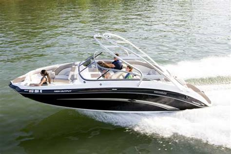 Deck Boat Yamaha by Yamaha 242 Limited A Jet Propelled Series Design Boats