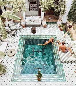 25 best ideas about courtyards on pinterest terrace With französischer balkon mit outdoor poster garten