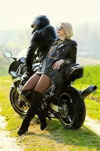 Image De Moto : couple sur moto photographie rumisphoto 49575125 ~ Medecine-chirurgie-esthetiques.com Avis de Voitures