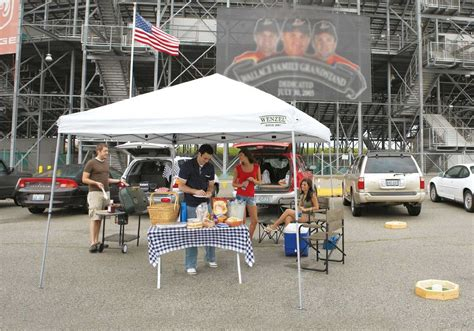 awesome  canopy  tailgate party  wenzel