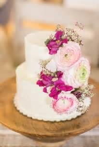 wedding cake photos two tiered cake with fresh flowers wedding cakes photos brides