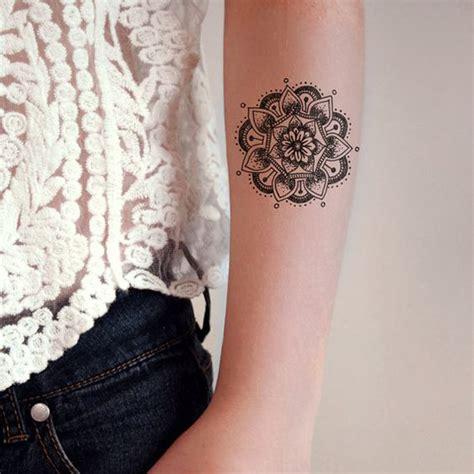 tatouage mandala bras on craque pour un tatouage mandala