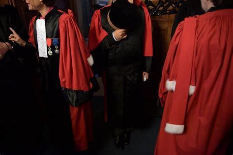 magistrats du si鑒e statut du parquet le conseil constitutionnel va trancher la croix