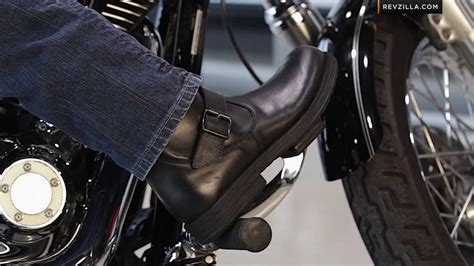 motorcycle shoes for sale 2013 v twin cruiser motorcycle boots buying guide at