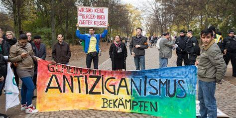 Sinti und roma in deutschlandzwischen integration und abschiebung. Hunderte Fälle von Diskriminierung gegen Sinti und Roma in ...
